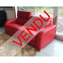 DESTOCKAGE - Canapé lit 140 cm en cuir rouge avec appuis tête ajustables